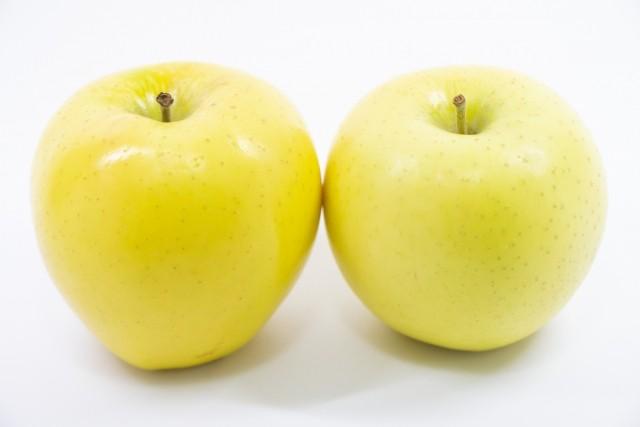 2個の青りんご